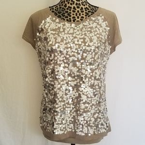 🎀 3/$25 LOFT Taupe T-shirt w/Champagne Sequins